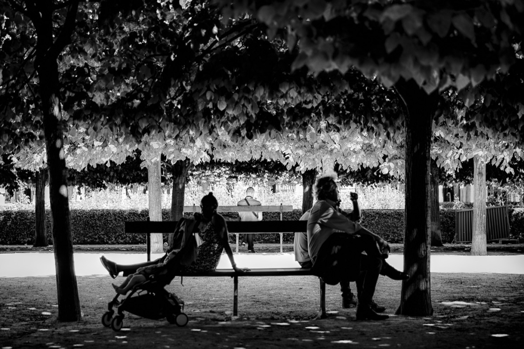 Back to back. Galeries du Palais Royal, Paris, France, 2016.